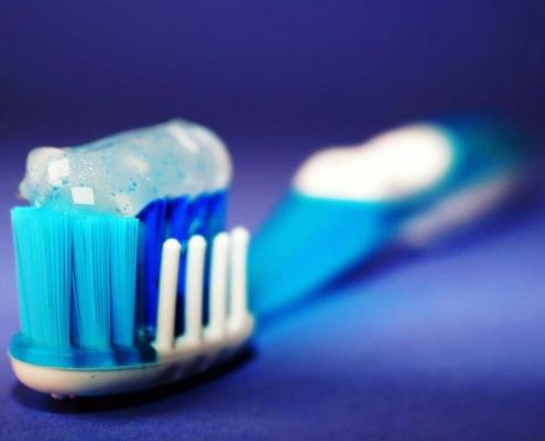 Pusser du tennene for mye?